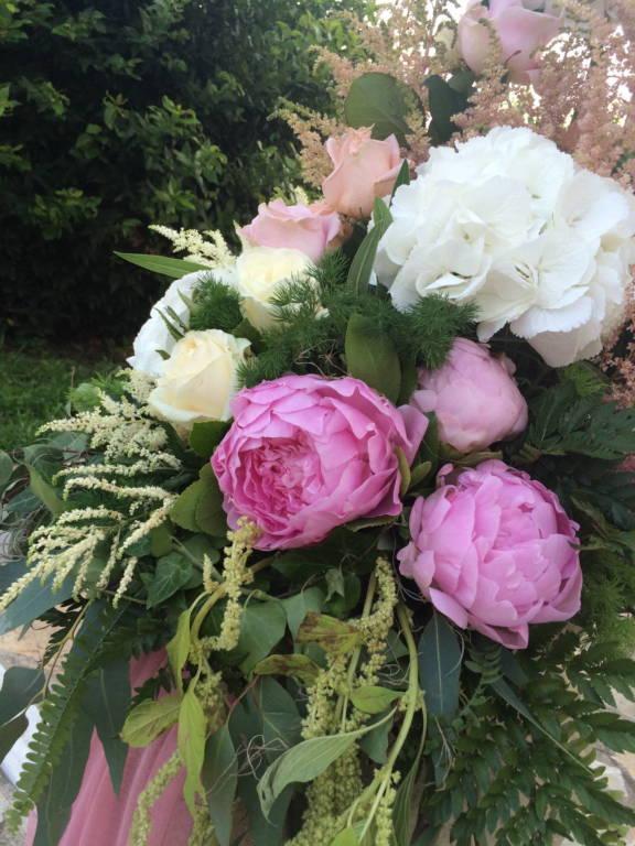 Γάμος σε ροζ και λιλά αποχρώσεις
